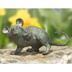 Maus mit erhobener Pfote
